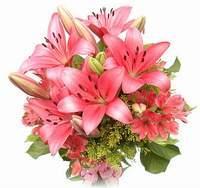 С какими цветами в букете сочетаются лилии